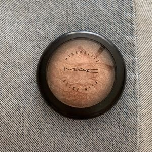 MAC mineralized skin finish powder